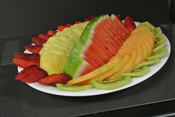 A kosher fruit platter made with fresh seasonal fruits by Nifla Kosher Catering